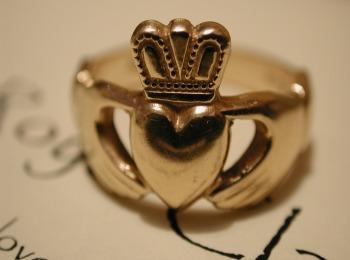 Древнее золотое кольцо