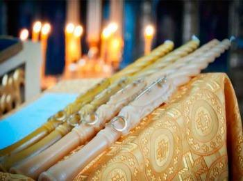 Восковые фигурные свечи для обряда венчания