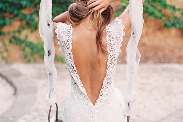 Свадебный наряд с открытой спиной