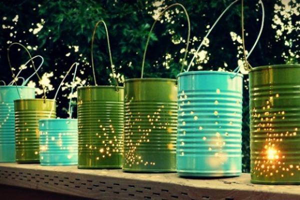 Светильники из  покрашенных консервных банок