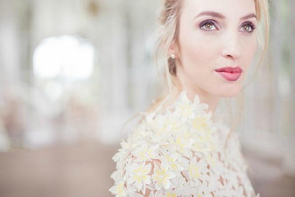 Изящные свадебные платья с кружевными