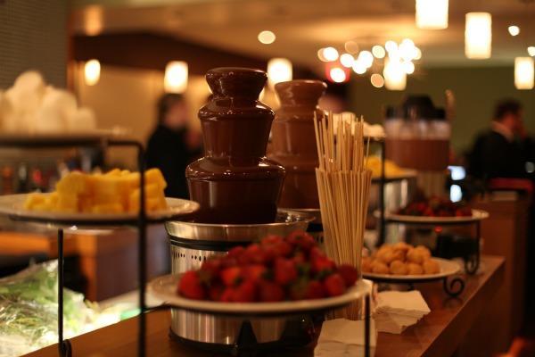 Шоколадный фонтан для банкетного зала