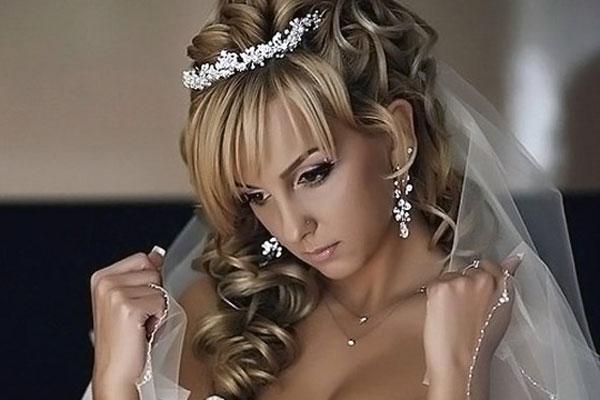 свадебные прически для невесты фото