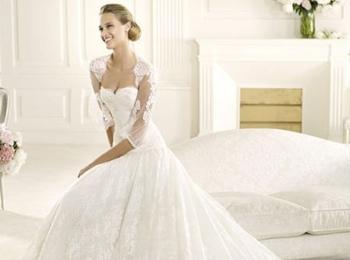 Прелестное ажурное платье с зарытыми плечами для церковного венчания