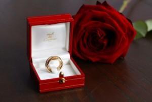 Красивые обручальные кольца Картье