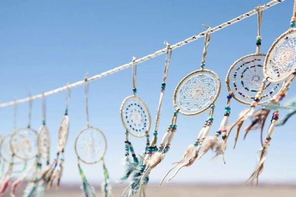 Различные индейские амулеты прекрасно впишутся в общий стиль свадьбы
