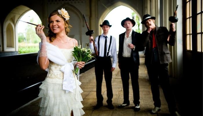 Белое платье для гангстерской невесты и декорации для фото-сессии