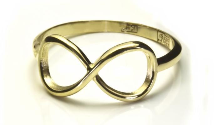 Ажурное золотое колечко с символом вечности
