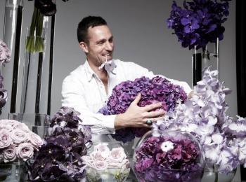 Профессиональные флористы помогут выбрать цветовое решения для свадьбы