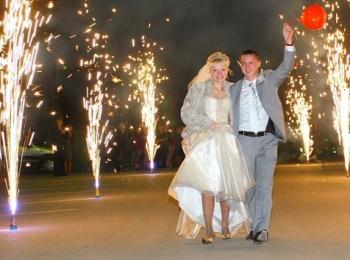 Свадебный фейерверк превратит обыденное торжество в волшебную и сверкающую феерию