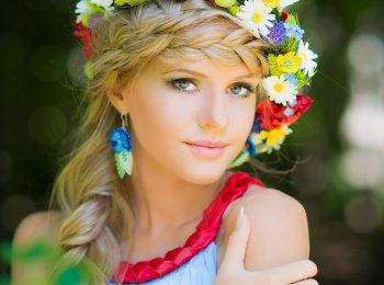 Русская коса - прекрасный вариант прически для невесты