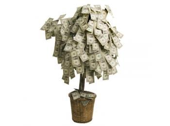 Деньги - подарок практичный, но для оригинальности их стоит преподнести в нестандартной форме