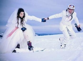 Экстремальная зимняя фотосессия для жениха и невесты