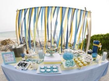 Лучший вариант отметить свадьбу в морском стиле - на берегу моря или реки