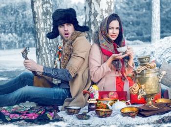 Милое фото - пикник на морозном воздухе в русском народном стиле