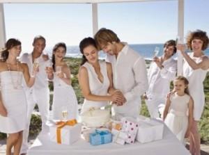 Оригинальный подарок на свадьбу запомнится молодоженам надолго