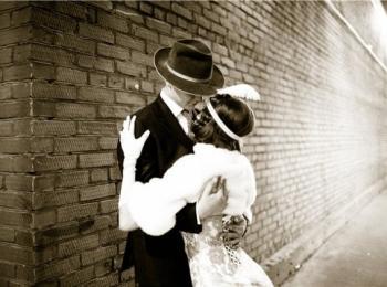 Свадьба в стиле Чикаго выглядит очень дерзко, романтично и весело