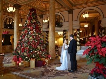 Свадьбу в холодное время года можно устроить в рождественско-дворянском стиле