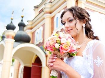Подготовка к венчанию включает в себя и выбор храма, в котором будет проведен обряд