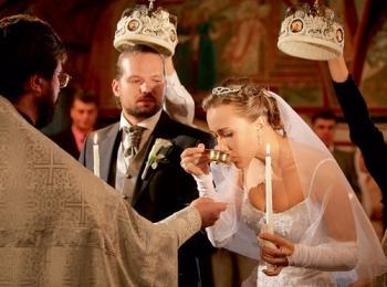 Обряд венчания возвращается в моду - молодожены берут обязательство перед богом