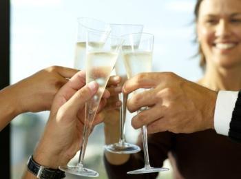 Хороший тост на свадьбе сказать не трудно, нужно лишь заранее его подготовить