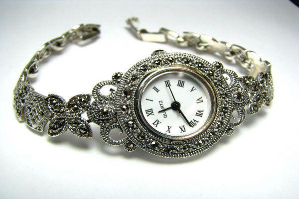 Часы, как символ долгих отношений