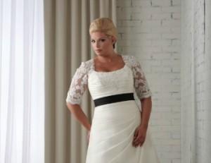 Полная девушка в свадебном платье