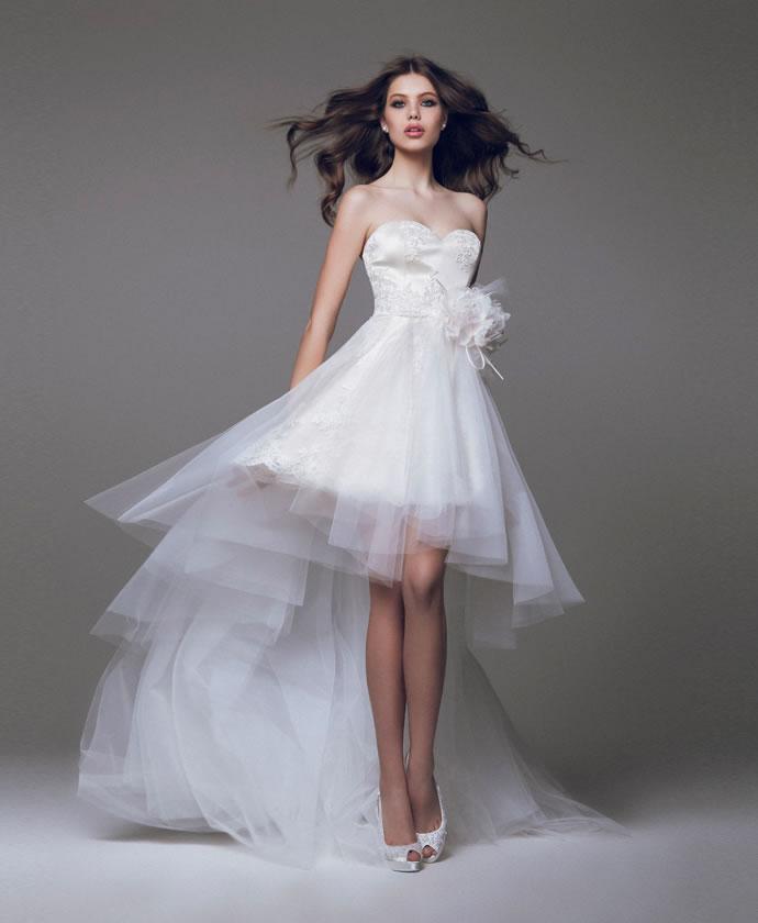 b7b17df17d4 Короткие свадебные платья со шлейфом - шикарные и утонченные