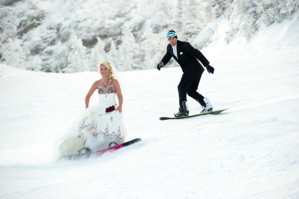Необычные зимние фотографии жениха и невесты