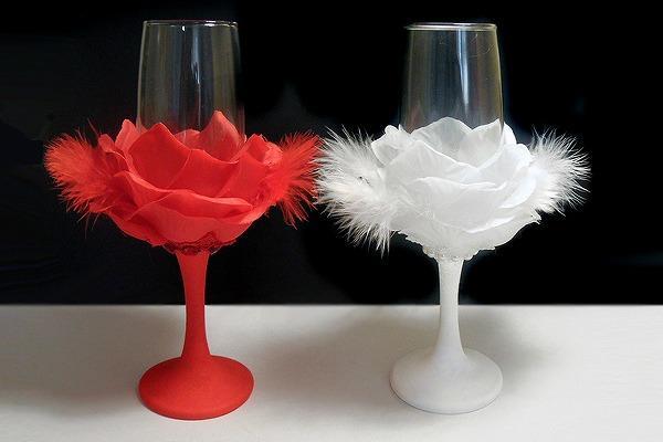 Стильный декор для фужеров жениха и невесты