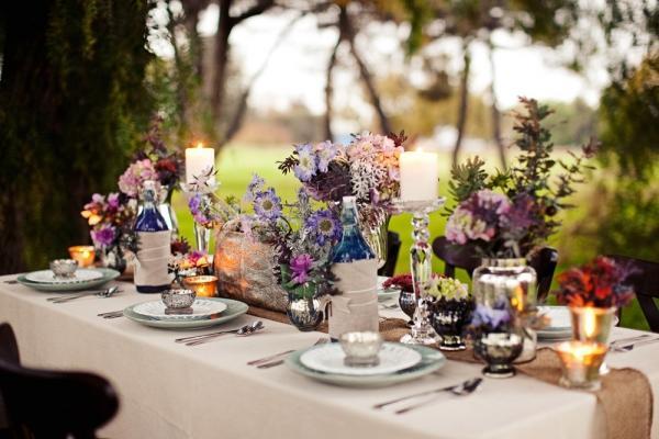 Оформление свадебного стола на природе
