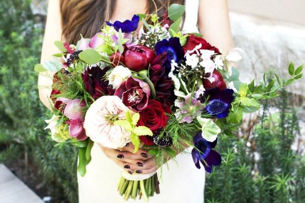Яркий букет для невесты