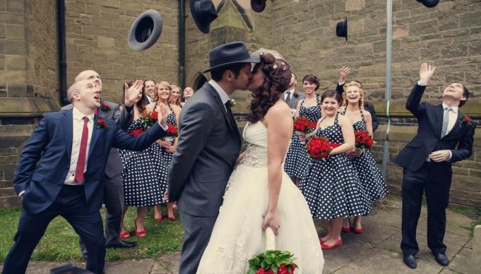 Платья невесты и подружек на тематической гангстерской свадьбе