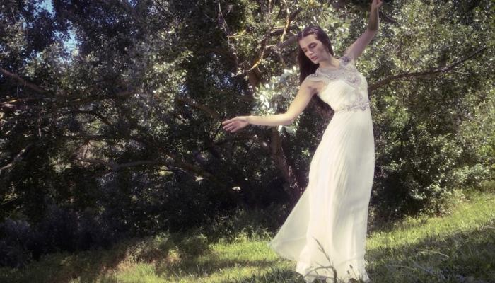 Мягкое, легкое длинное платье для невесты