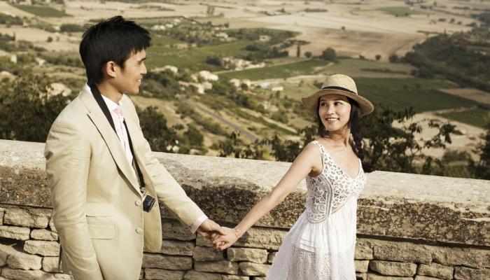 Интересный и достаточно простой костюм для жениха в стиле Прованс