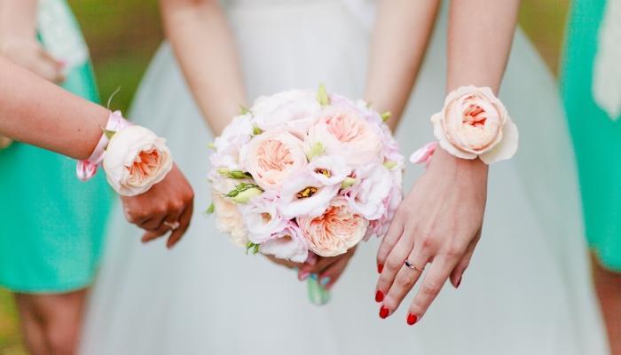 Букет из пионов - отличный вариант для невесты Шебби шик