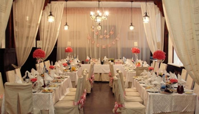 Оформление помещения под винтажную свадьбу