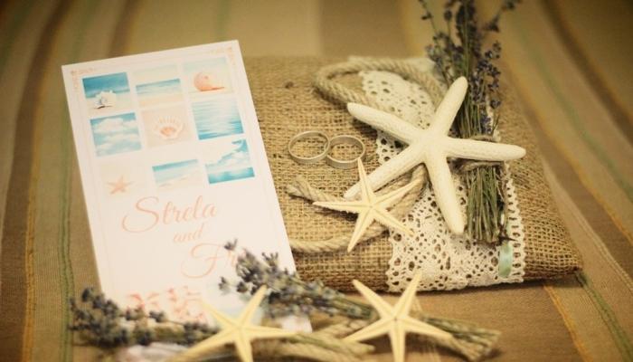 Подушечка в морском стиле из льняной ткани с морскими звездами
