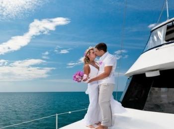Новобрачные порадуются путешествию по морю в качестве подарка на свадьбу
