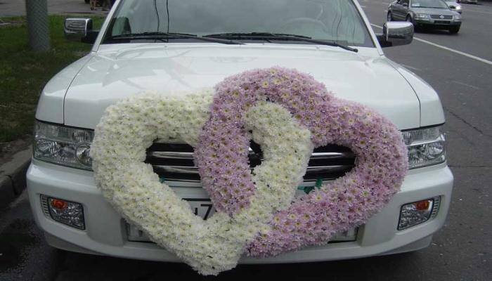 Оформление машины на свадьбу фото своими руками