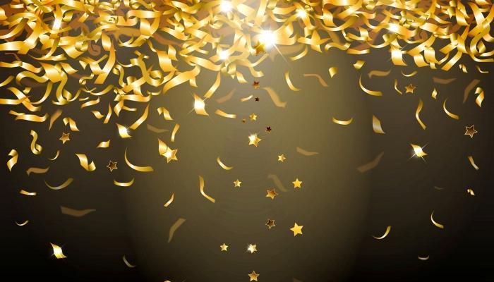 Для создания эффектной атмосферы во время вальса используйте золотые блестки и вентилятор