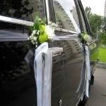 Как самостоятельно украсить машину на свадьбу?