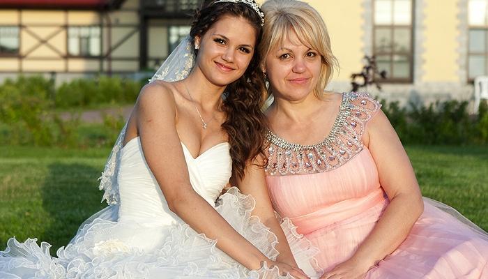 Мамы в платье и чулках фото 145-680