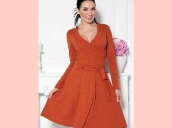 Платье на запах - очень симпатичный и скромный вариант