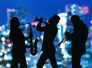 В качестве музыкального сопровождения идеально подойдет джаз