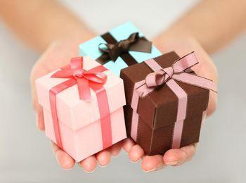 Полезные и приятные подарки друг другу