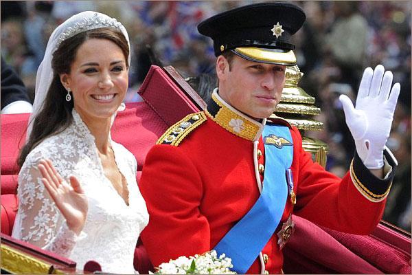 Принц и Кейт приветствуют подданных