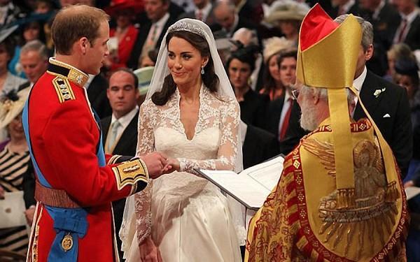 Кейт Миддлтон и Принц Уильям обмениваются кольцами