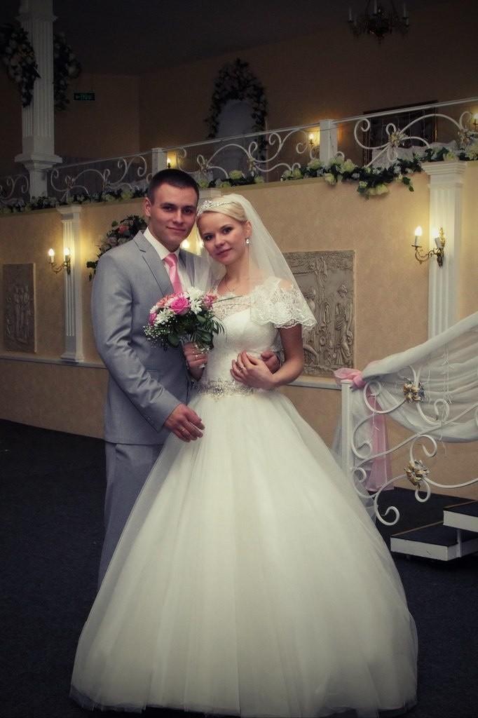 Вадим и Надя перед поездкой в ЗАГс
