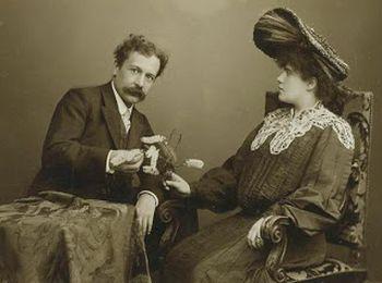 Первой покупательницей стала графиня Ньеверкерк